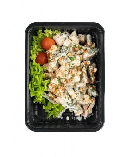 Салат с куриным филе,яйцом и стручковой фасолью
