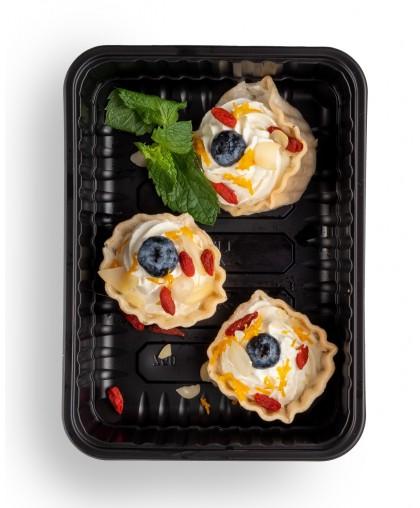 Тарталетки с творожным кремом и ягодами